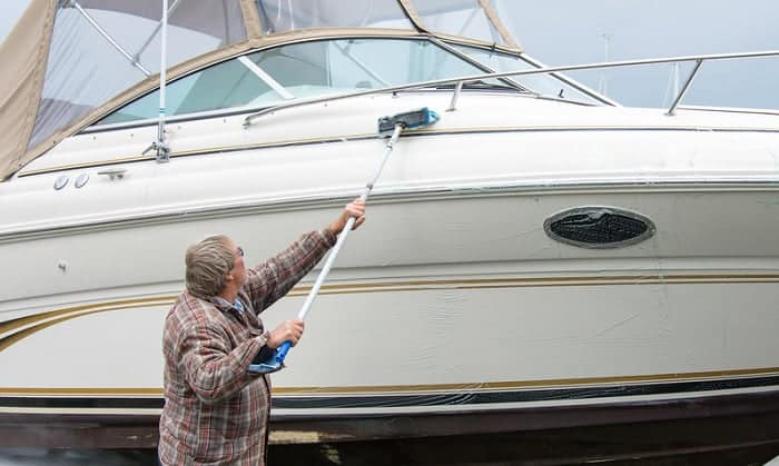 boat-hull-cleaning-brush