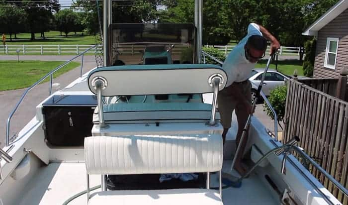 cleaning-non-skid-boat-deck