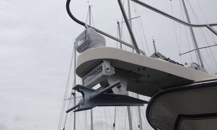 best handheld spotlight for boating