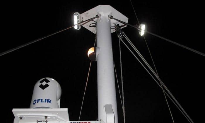best marine led spreader lights