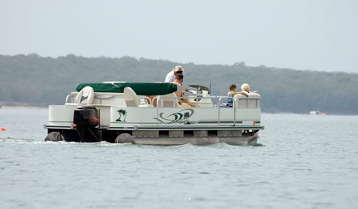 size-motor-for-a-20-pontoon-boats