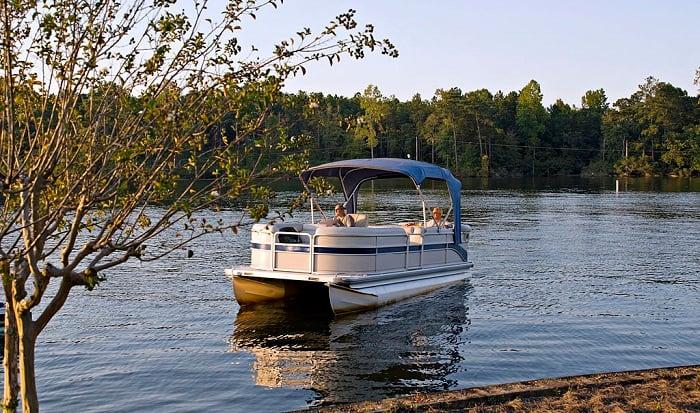 pontoon-boat-width